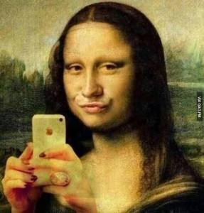 Mona LIsa Selfie